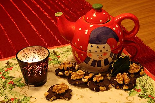 Energieherstelplan Kerstdiner 2014  nagerecht: Granenkoffie of kruidenthee met chocoladenotenflikken
