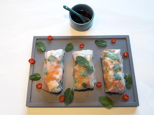 Vietnamese rijstloempia's met zalm